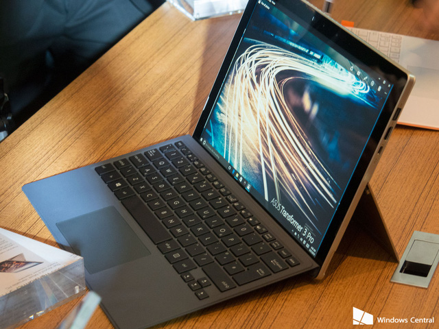 Chiếc tablet lai Asus Transformer 3 Pro.