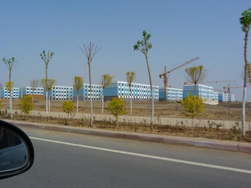 Ville nouvelle de Turpan en construction, et cette photo n'en montre qu'une toute petite partie...