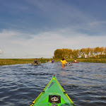 036-We paddelen door het mooie Noordwaard vaarwater.