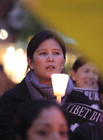 10/19/11 Tibet is Burning! Candle Vigil for Tibet - cc%2B024610-19%2BTibet%2B72dpi.jpg