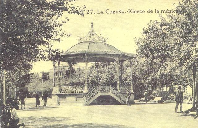Kiosko de la música. Se compró a la casa inglesa Max Farlam y se instaló en 1884. Se desmontó durante un largo tiempo pero fue repuesto recientemente.