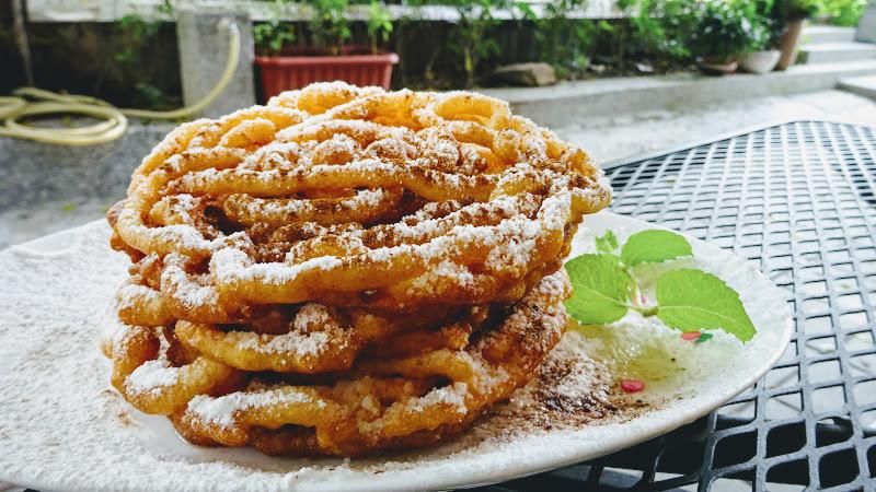 NYCC 紐約社區咖啡館美國法諾糖粉肉桂脆酥 funnel cake.JPG