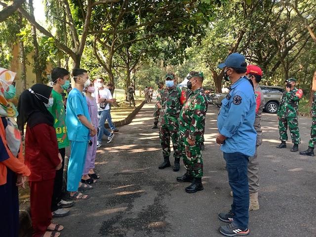 Danrem 063/SGJ Tinjau Tempat Isoter Dan Serbuan Vaksinasi Lansia di Wilayah Teritorial Kodim 0619/PWK