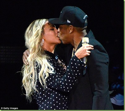 bey jay z passionately fake kiss