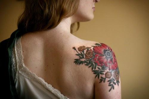 De volta ombro flor desenhos de tatuagem no Ombro para as mulheres