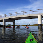 044-We paddelen door het mooie Noordwaard vaarwater.