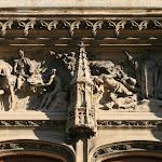 Collégiale Saint-Martin : portail occidental, tympan aux deux sènes de la vie de saint Martin