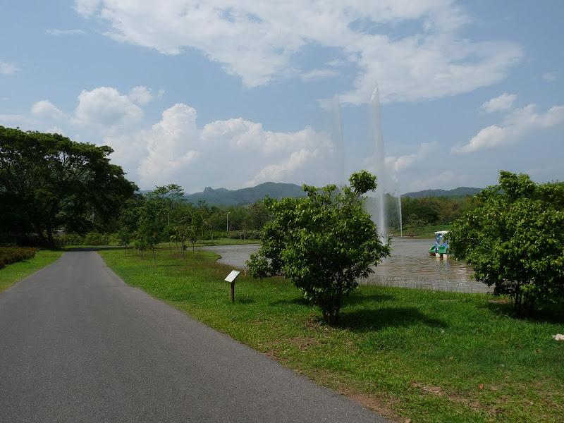 Chine .Yunnan . Lac au sud de Kunming ,Jinghong xishangbanna,+ grand jardin botanique, de Chine +j - Picture1%2B604.jpg