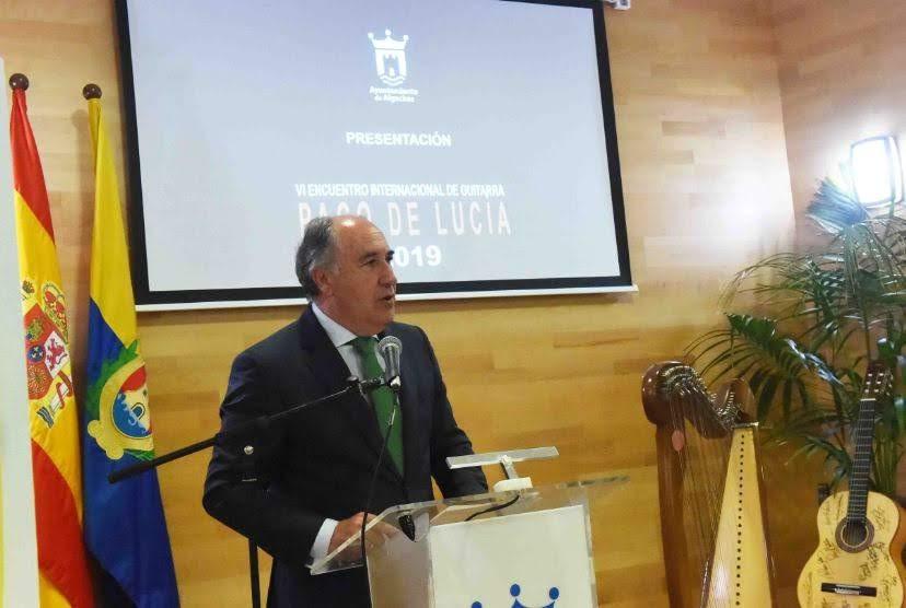 """El alcalde y la consejera de Cultura presentan el VI Encuentro Internacional de Guitarra """"Paco de Lucía"""""""