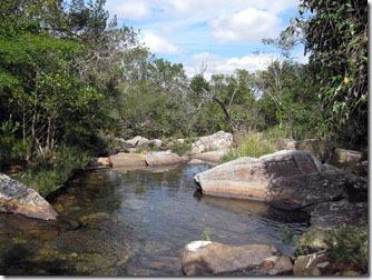 carrancas-trilha-cachoeira-das-esmeraldas-1
