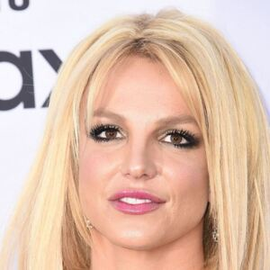How Much Money Does Britney Spears Make? Latest Net Worth Income Salary