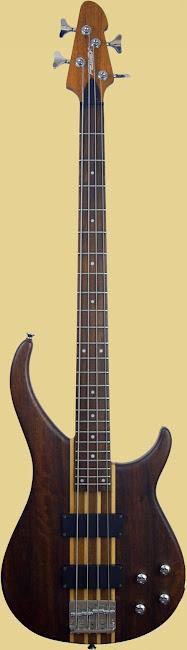2004 Peavey Zephyr through neck Bass Guitar