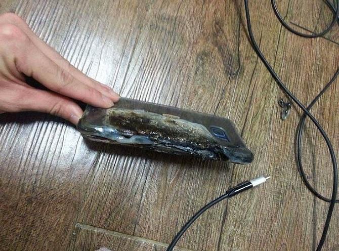 Galaxy Note 7 bất ngờ phát nổ khi sạc