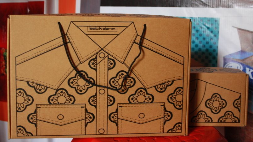 kemasan dus Packaging box untuk baju pakaian clothing  kemeja celana jeans
