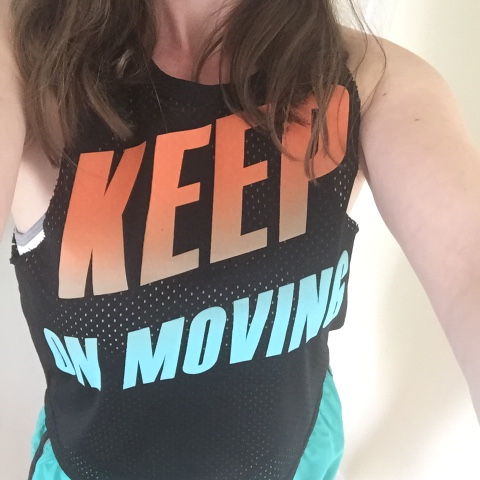 keep-on-moving-slogan-top-primark