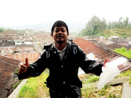 bass-ahmed-at-sumbing-mount-center-of-java-indonesia-29-31-03-2013-060