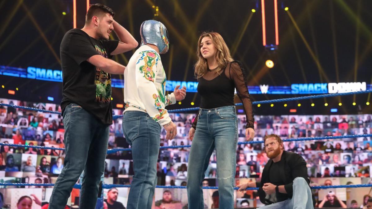 Rey Mysterio, Dominick Mysterio, Aalyah Mysterio on WWE SmackDown Live