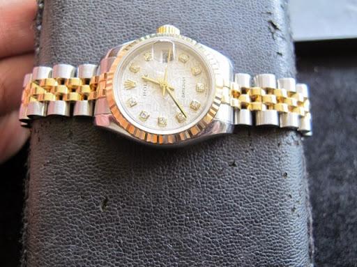 Bán đồng hồ rolex datejust nữ – model 179173 – đè mi vàng – mặt vi tính xoàn – size 26mm