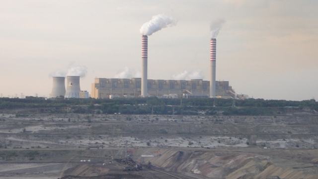 The world's second largest lignite-fired power station at Bełchatów, Poland. Coal remains a powerful political force in eastern Europe. Photo: Stasisław / Commons