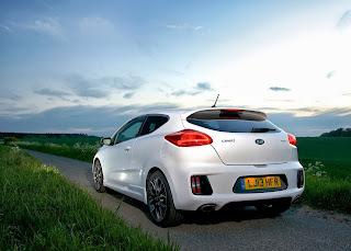 Yeni-Kia-Pro-Ceed-GT-2014-31