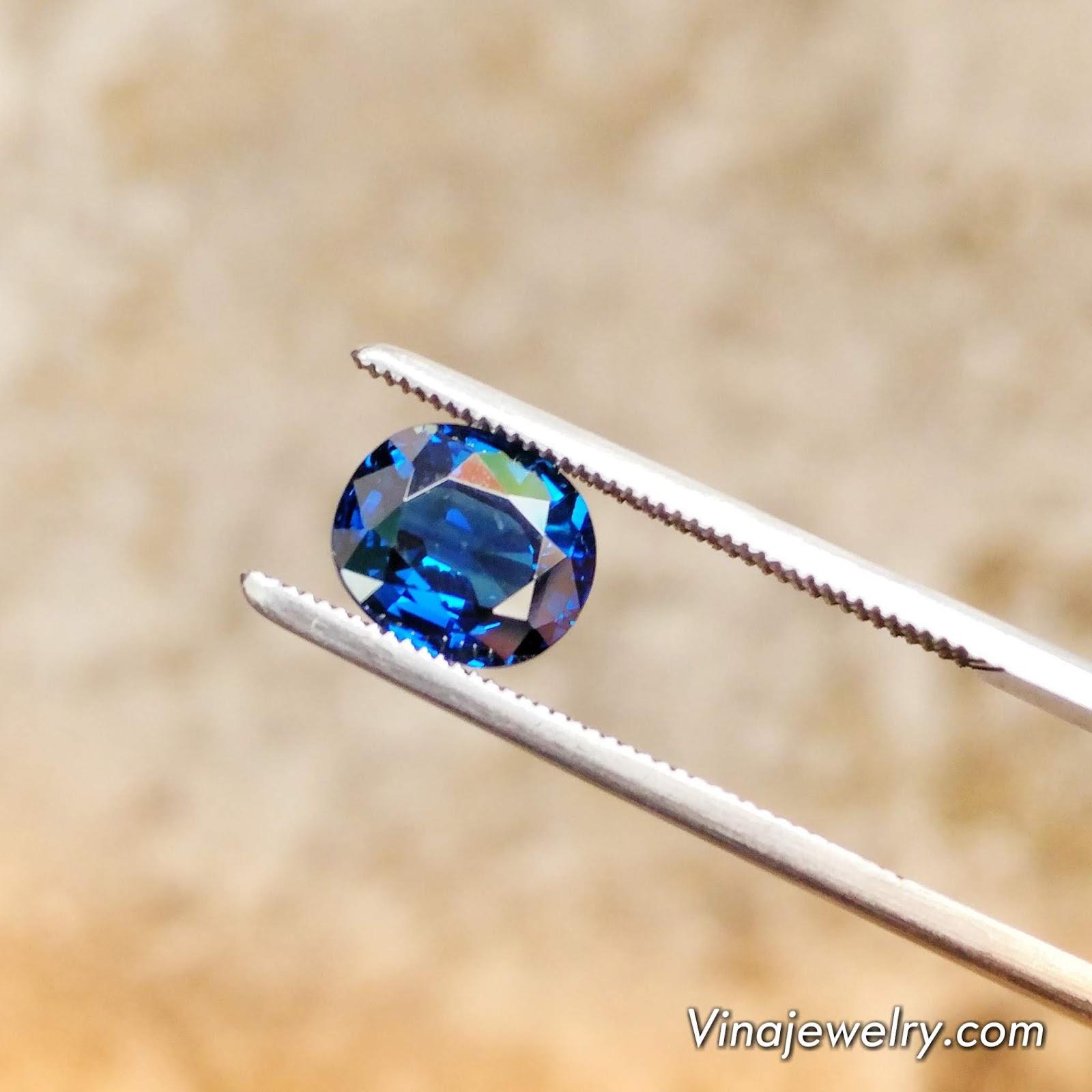 Đá Sapphire thiên nhiên xanh Hero