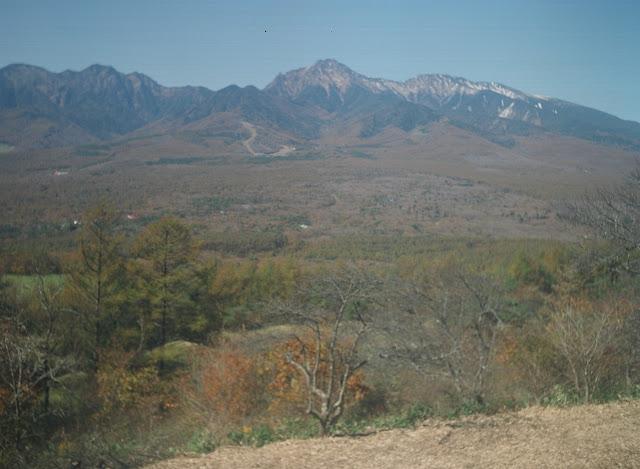 飯盛山から八ヶ岳 スーパーセミイコンタ レンズくもり