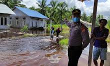 Pasca Hujan Lebat, Polisi dan Kadus Sungai Raya Kepulauan Monitor Debit Air