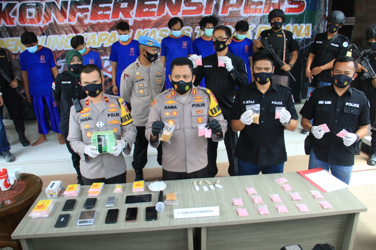 Polres Karawang Polda Jabar Berhasil Ungkap Kasus Sabu 1300 gram dan 2000 ekstasi