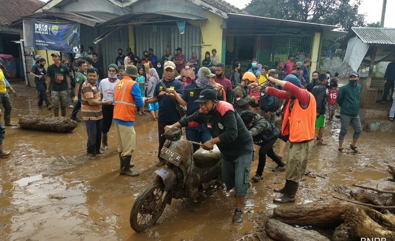 Pemkab Sukabumi Tetapkan Status Darurat Tujuh Hari Pascabanjir Bandang