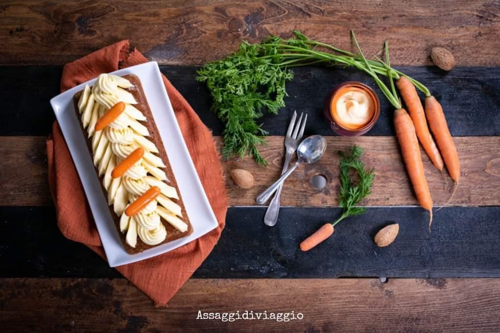 Torta di carote con cremoso alla vaniglia