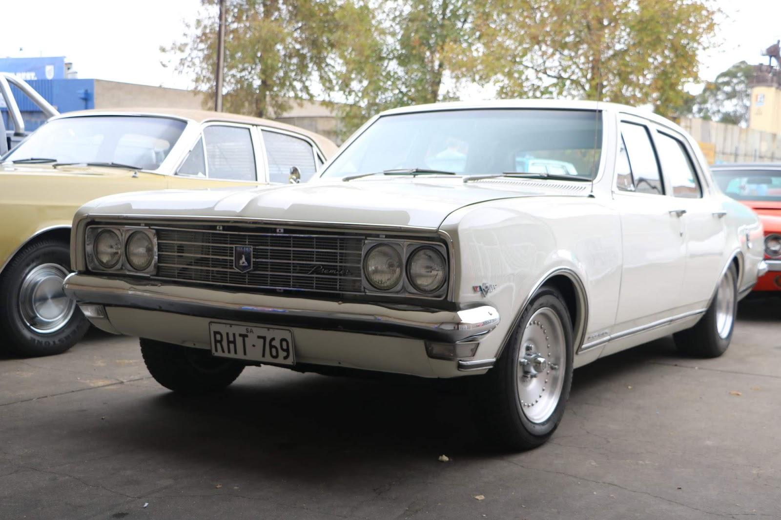 Holden Kingswood 04.jpg