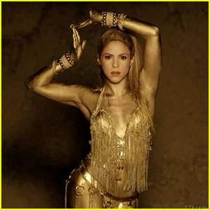 See Shakira's Role in her New Video 'Perro Fiel