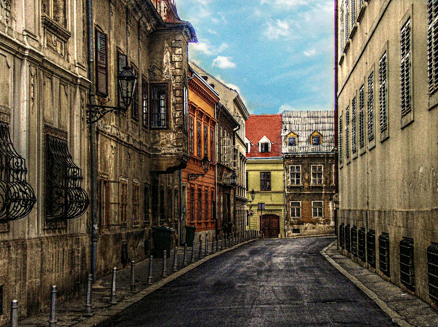 by Ksenija Bauer - City,  Street & Park  Historic Districts
