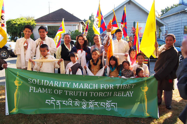 Tibets Flame of Truth torch relay in Seattle - ccPA060106%2BA72.jpg