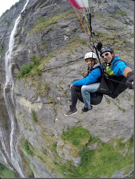 Tandem Paragliding over Lauterbrunnen Valley