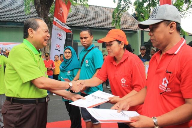 Walikota Beri Reward 455 Pendonor Darah Sukarela