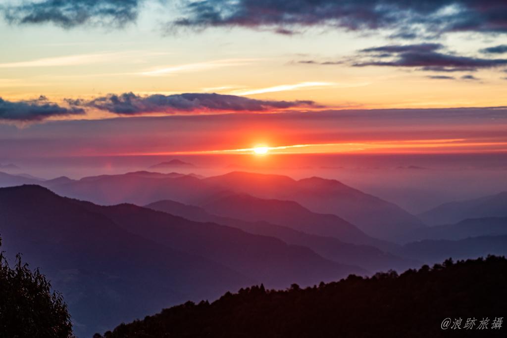 奇萊南華 日落 夕陽 雲海保線所