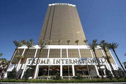 2DEACCD100000578-3255235-The_best_part_of_Trump_International_Hotel_Las_Vegas_is_it_doesn-a-43_1446138382867
