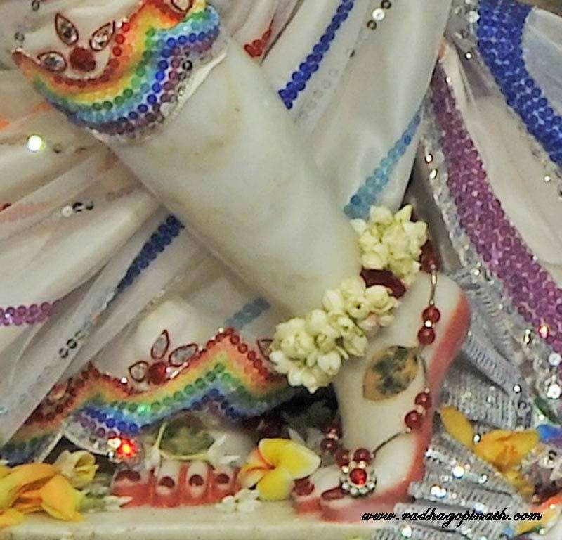 ISKCON Chowpatty Deity Darshan 20 Dec 2015 (15)