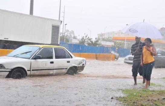 Por vaguada y onda tropical continuarán las lluvias este lunes en RD