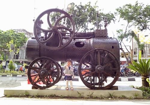 Lokomotif kereta kuno yang pernah beroperasi di Surabaya