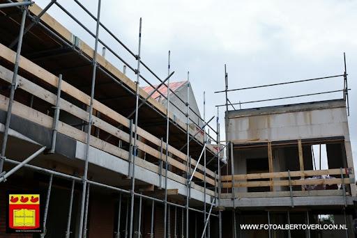 Appartementencomplex de linde  heeft zijn hoogste punt bereikt overloon 28-06-2013 (23).JPG
