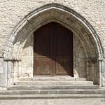 Collégiale Notre-Dame-de-l'Assomption : porche roman