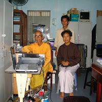 [T&C-005] Tu sinh và phật tử thăm Thầy (25/07/2005)