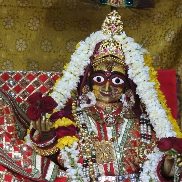 Radha Govind Devji Deity Darshan 01 Mar 2016 (2)
