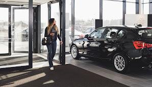 Audi's dynamic creative ads reinforce car customization possibilities