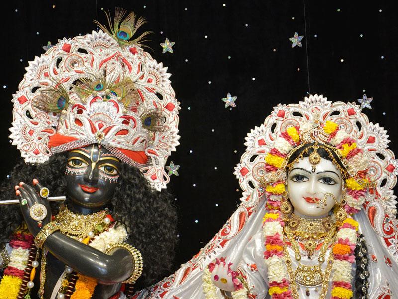 ISKCON Ahmedabad Deity Darshan 23 April 2016 (1)