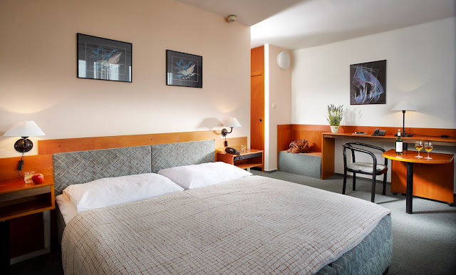 Hotel Fortuna City, Bečvářova 2083/14, 100 00 Prague 10, Czech Republic
