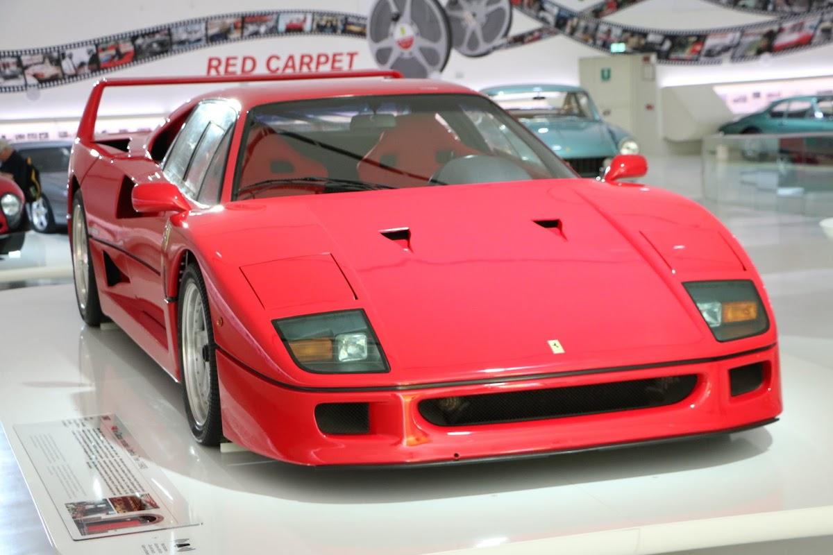 Modena - Enzo Museum 0015 - Ferrari F40.jpg