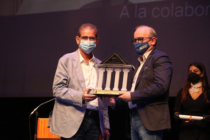 El Premio a la Colaboración con el deporte ejidense fue para Radio Poniente.